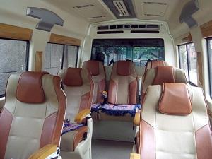 traveller van seat capacity
